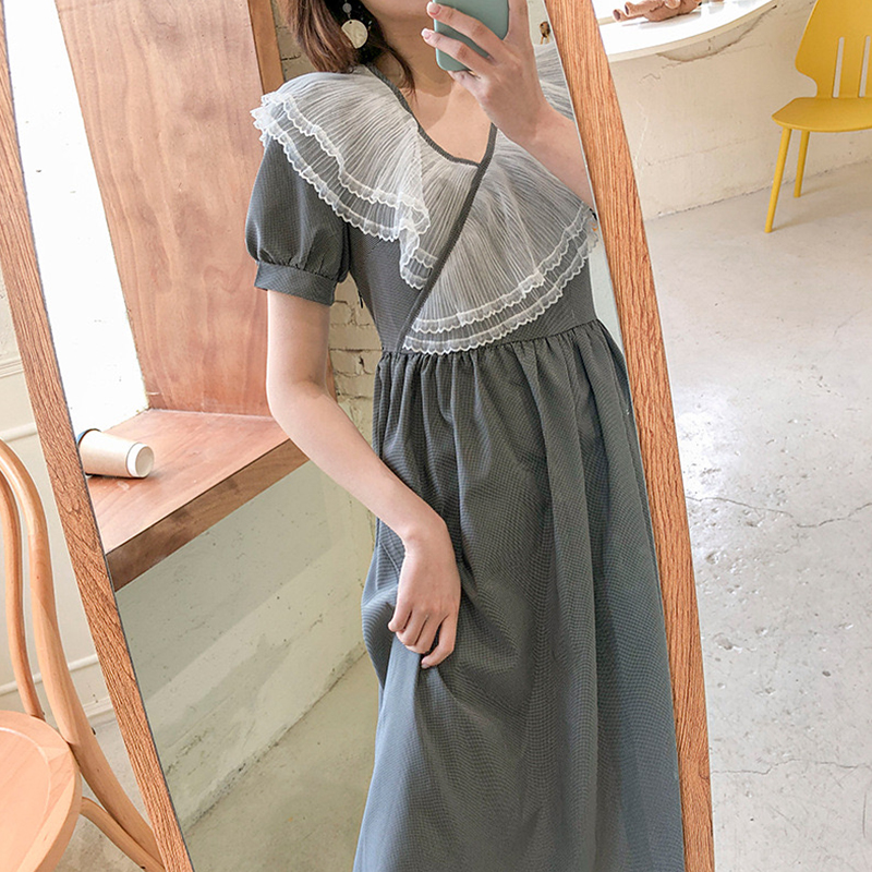 Temperament dress goddess model 2020 new summer Chiffon French fairy gentle style bubble sleeve length looks thin