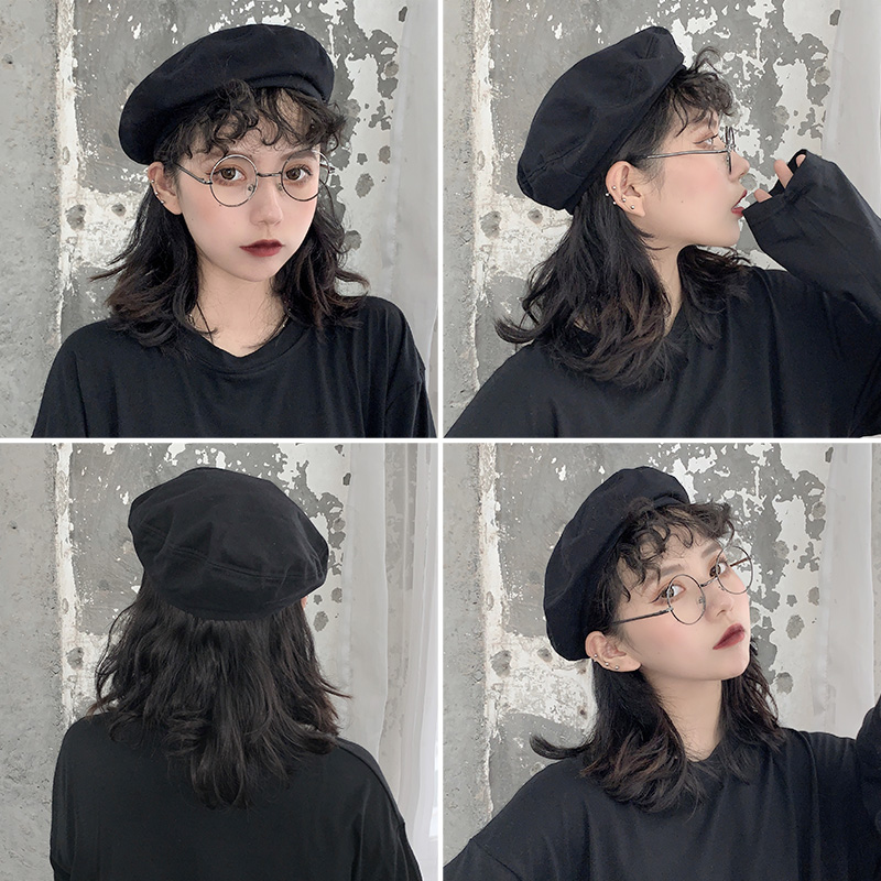 Beret women shopping in spring and summer
