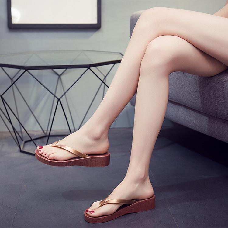 外穿夏季坡跟人字拖网红海边女鞋