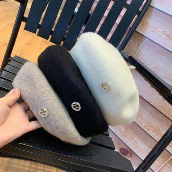 Womens hat 2019 new fashion Beret white womens little fragrant hat net red fashion autumn and winter wool h water drill