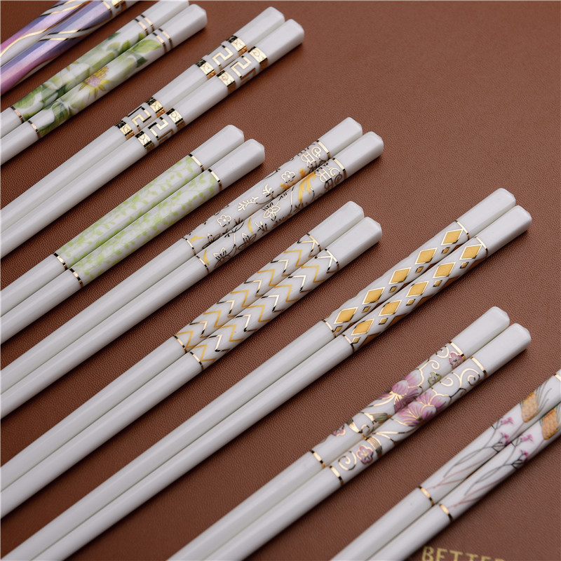 The choice of thousands of Family Health Fashion Hotel high temperature resistant, colorless and easy to clean ceramic chopsticks household gift