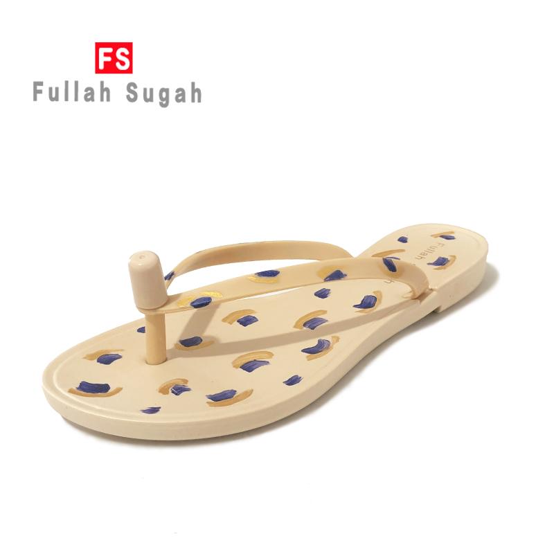 Fullah sugah wears new summer flat bottom fashion non slip clip toe beach herringbone slippers for women 4688fc