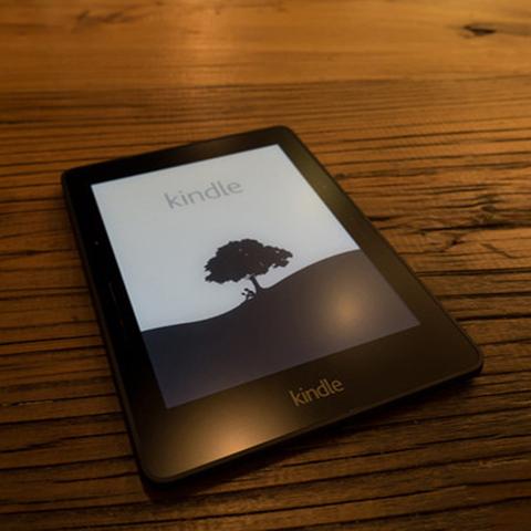 亚马逊kindle paperwhite4电子阅读器kpw3带背光电纸书触摸墨水屏