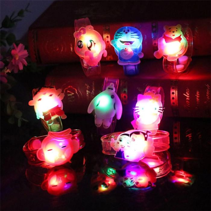 多款发光手环卡通创意手表闪光手腕带发光儿童礼物小玩具地摊批發