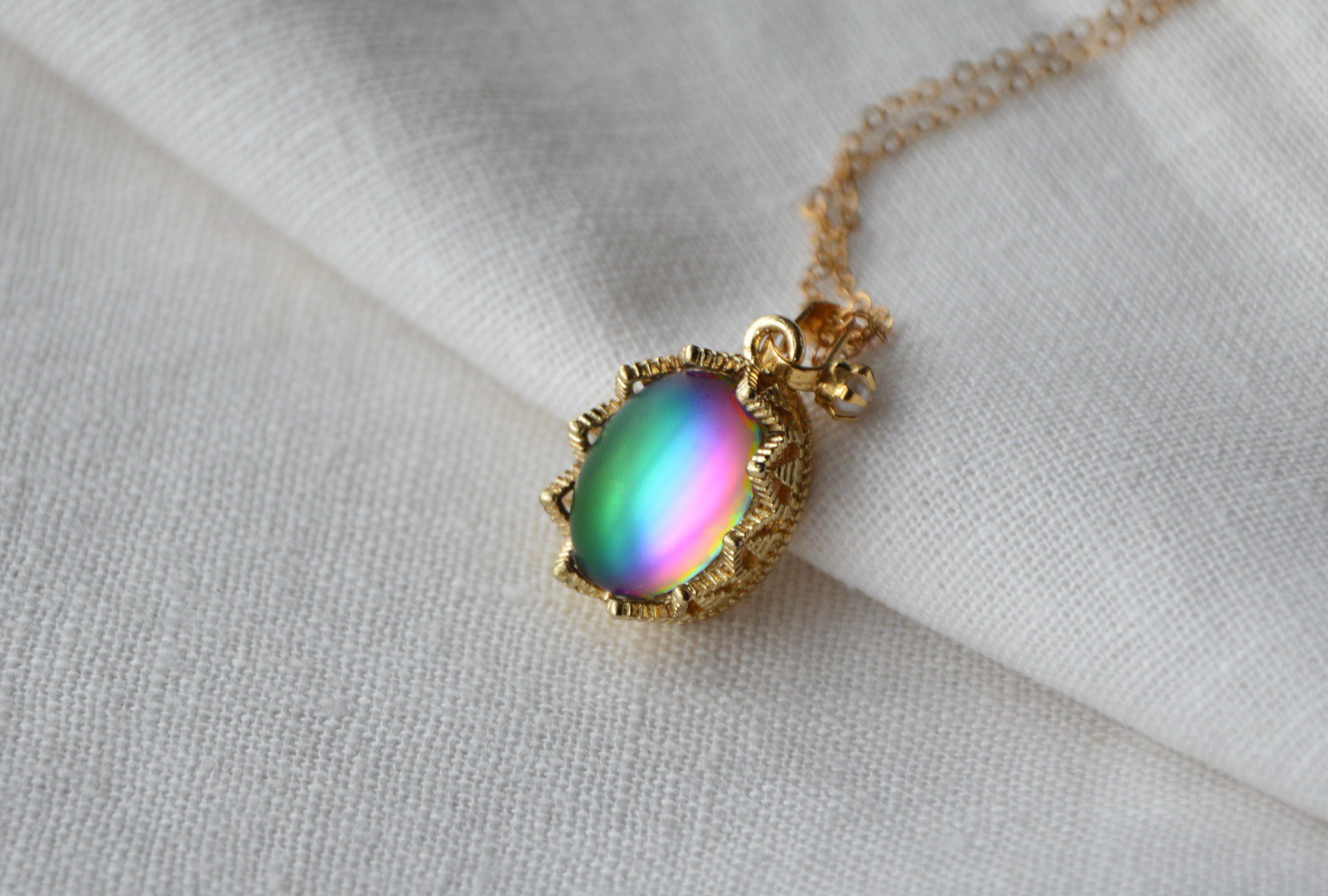 [ideal country] imported Vintage rainbow glass imitation gem frosted Necklace Pendant large and small