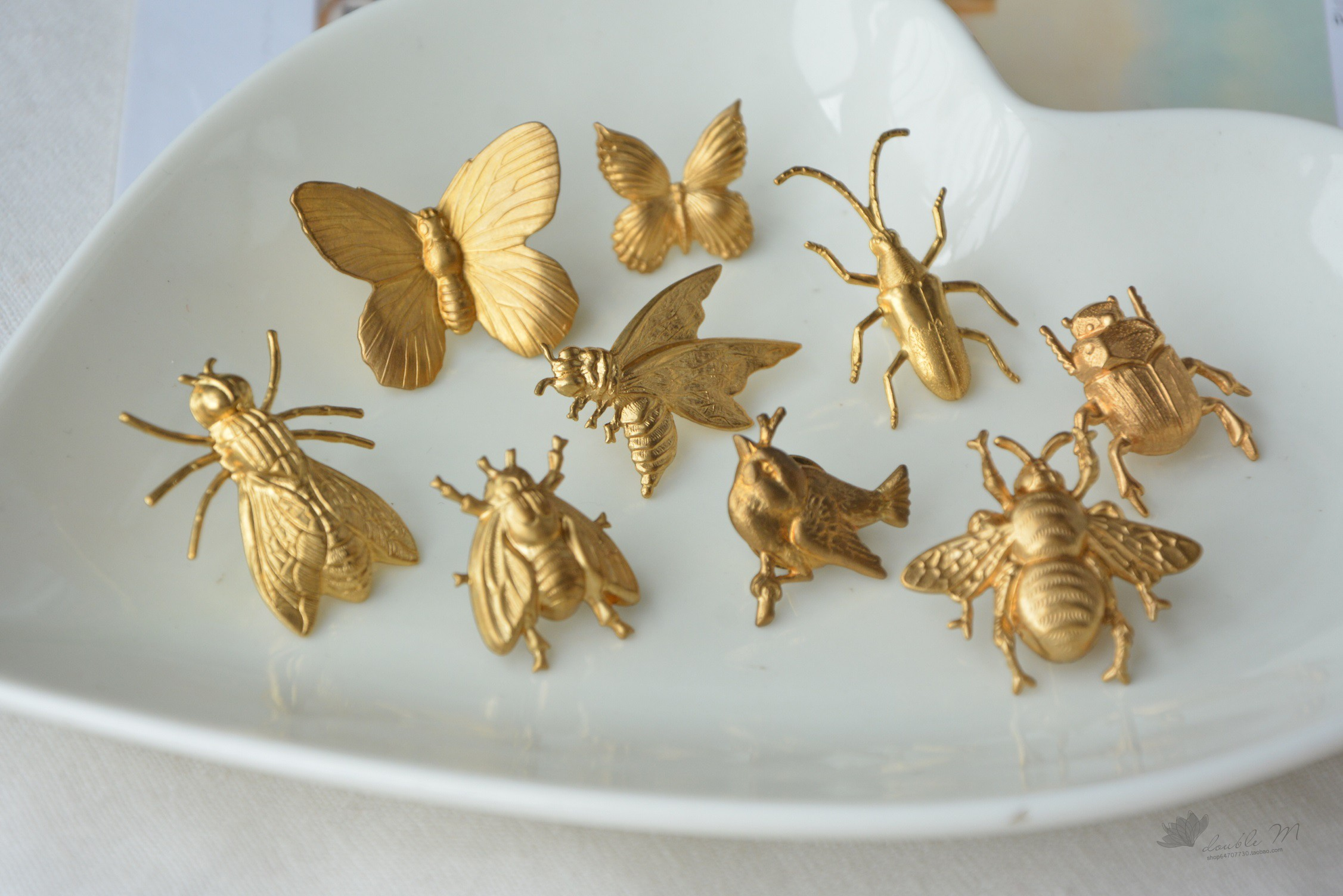 [ideal country] brass brooch, bee, butterfly and Beetle
