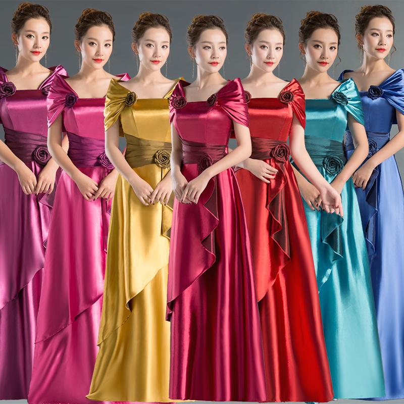 新ドレスのワンサイズショルダー合唱服のロングドレス演出服が花嫁の結婚披露宴を主宰しています。