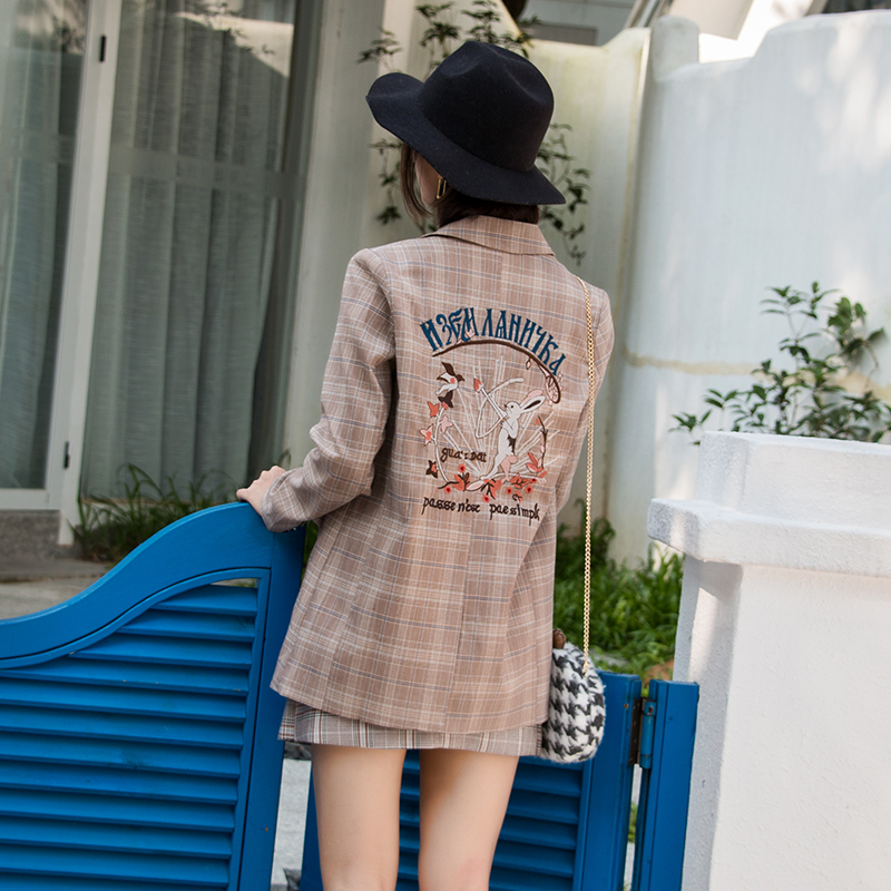 Tgs2019 autumn new Korean retro pattern embroidered Plaid Blazer for women