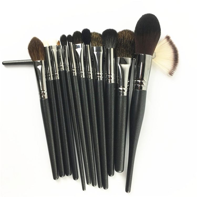 Bijia set loose powder brush red blush brush, high gloss brush nose shadow brush, eye shadow brush, dizzy dye brush lip brush, makeup brush.
