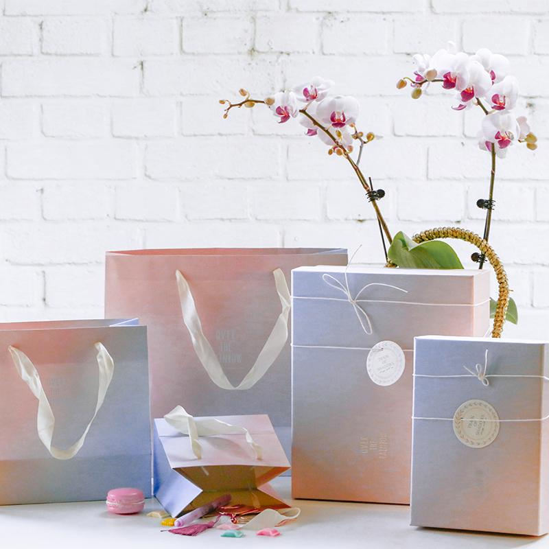 满4.50元可用1元优惠券新年礼品袋 梦幻浮光渐变礼物包装盒 节日礼物手提纸袋子回礼物盒