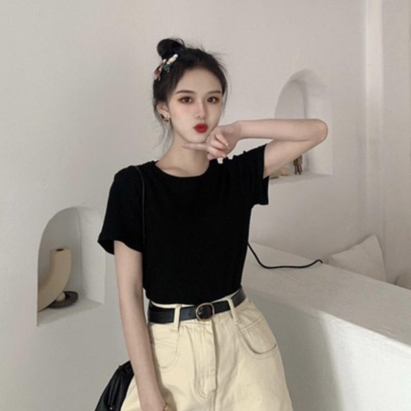夏の2020年の新型の純色の修身はやせていて、底のシャツの中で百着の半袖のTシャツの婦人服の上着のins潮をかけます。