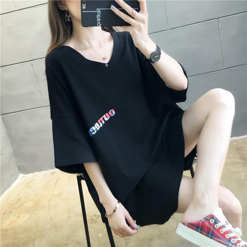 热销154件五折促销2019夏季新款韩版v领渐变字母t恤