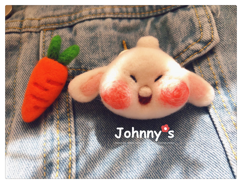Rabbit bage standard | wool felt hand made front teeth rabbit carrot brooch hairpin aj1 shoe buckle shoe clip Pendant