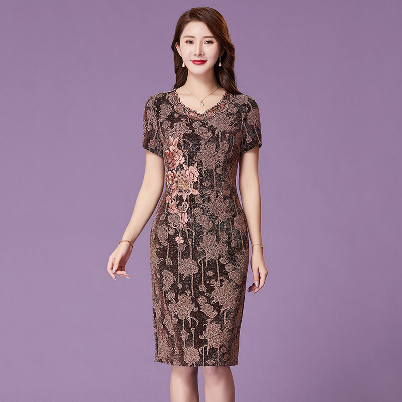 Yanaqi 2020 summer new hi mother-in-law embroidered dress hand nailed beads mother dress wedding dress