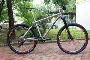 马卡鲁钛合金车架自行车26寸M700011S双油压碟刹山地整车男女通用