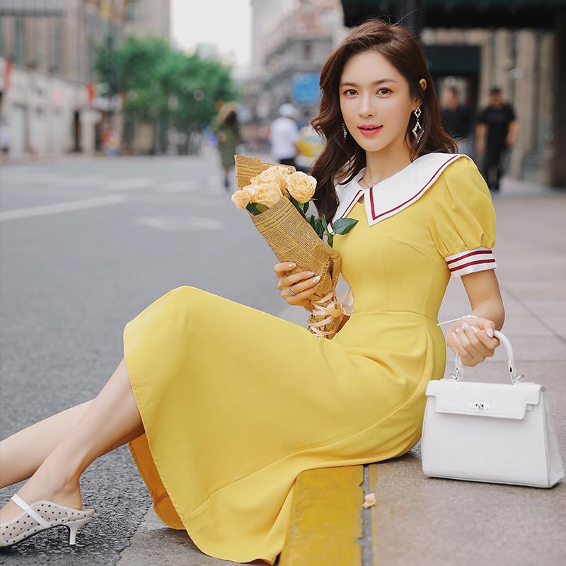 满299.00元可用121元优惠券黄色夏2019新款女娃娃领收腰连衣裙