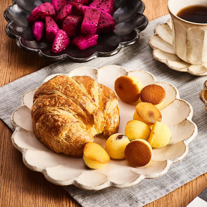 [陶瓷王]日本美浓烧日式粉引梨花复古网红花边陶瓷饭碗花朵盘子碟