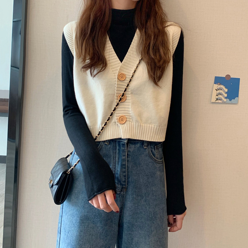 Women's knitted vest spring and autumn 2021 new style Korean retro fashion V-neck loose short outer vest vest