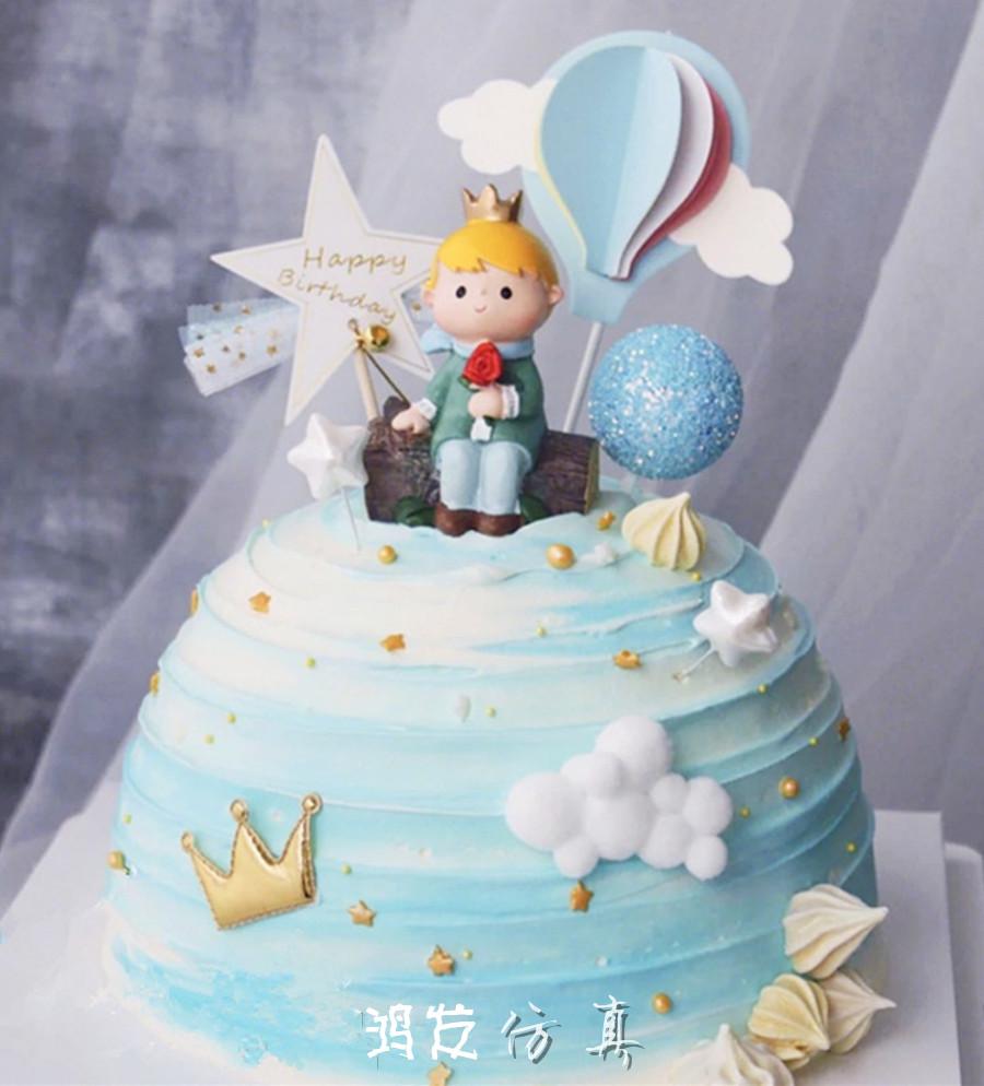 新款创意仿真蛋糕模型网红气球小王子男孩生日卡通假蛋糕摄影道具