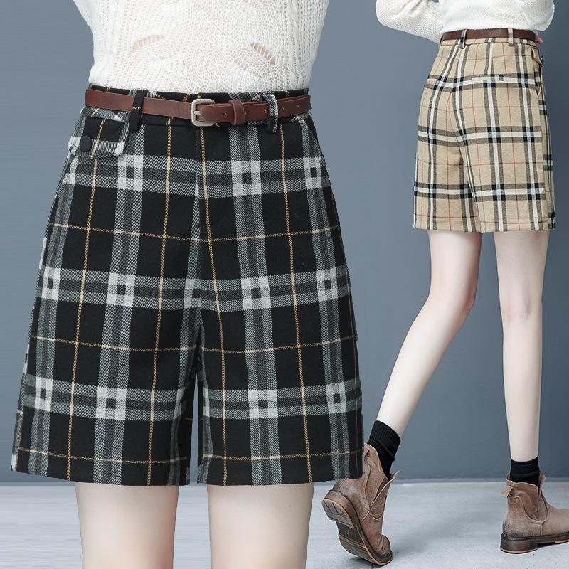New fashion casual pants womens 2020 winter Korean version hip lift show thin wide leg tweed A-line Plaid Shorts belt