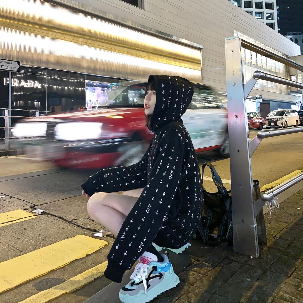 潮曼曼满满烫钻连帽套头女2019卫衣(用59.6元券)