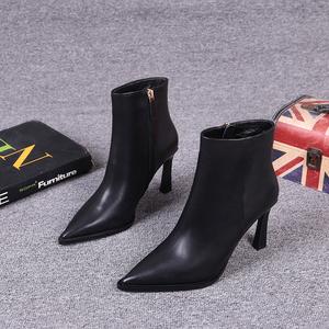 欧洲站女鞋2019冬季新款欧货真皮时尚侧拉链尖头细跟高跟鞋短靴女