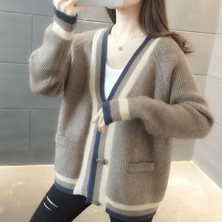 2021 spring new long sleeve V-neck loose medium length color matching knitted cardigan sweater coat European and Korean womens wear