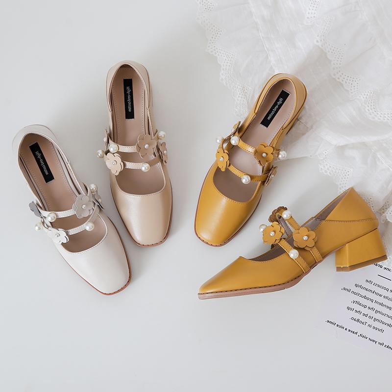 2020早春新款中跟粗跟玛丽珍鞋复古真皮花朵女鞋珍珠温柔裸色单鞋