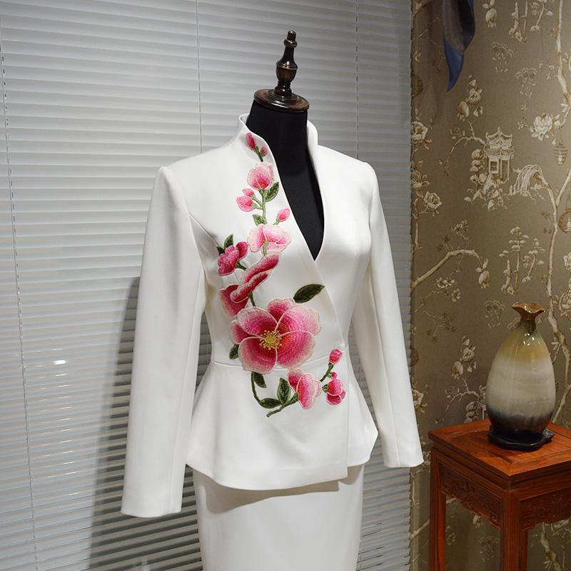 新款复古立领刺绣收腰 中式绣花华服 中年直销团队职业套装工作服