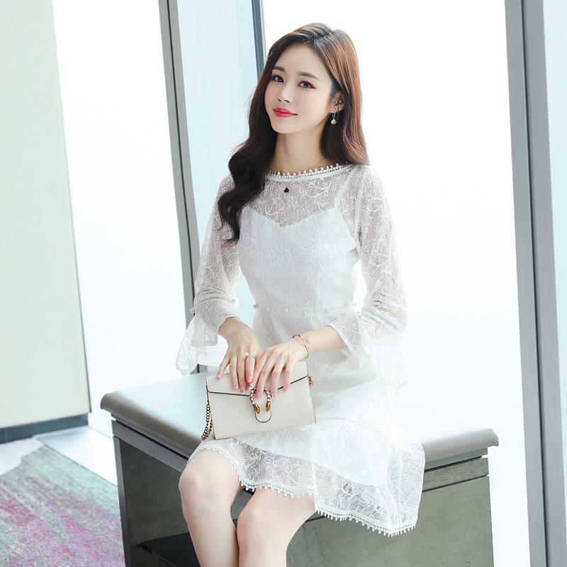 12月01日最新优惠蕾丝连衣裙2019女装春夏新款小清新时尚性感荷叶边白色中长款裙子