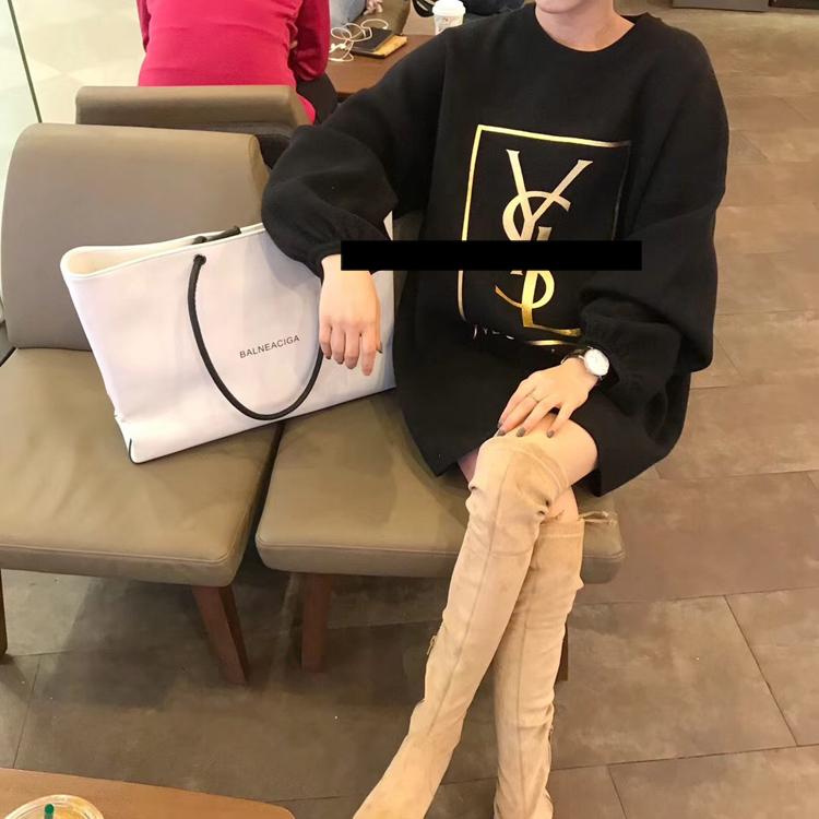 欧美高端气质大牌女装2018新款 韩国套头镀金字母宽松毛衣中长款