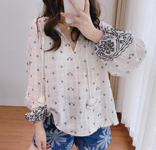 21 year summer French single retro Bohemian embroidery soft waxy cotton white Lantern Sleeve Long Sleeve Shirt