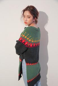 韩国东大门女装 2017秋季新款配色菱形针织衫开叉套头毛衣6726
