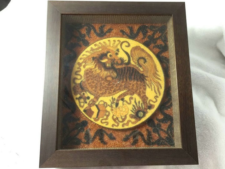 Legend of home decoration amber hanging picture of Polish natural amber Kirin decorative crafts
