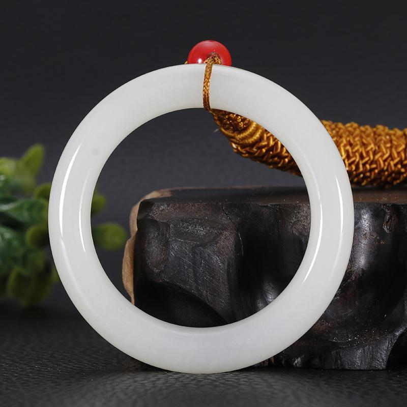 Синьцзян уезд хотан джейд нефрит цвет заболоченное место масло прибыль нефрит кольцо спокойствие кольцо кулон внутренний диаметр 41.2 миллиметр 28.405 грамм