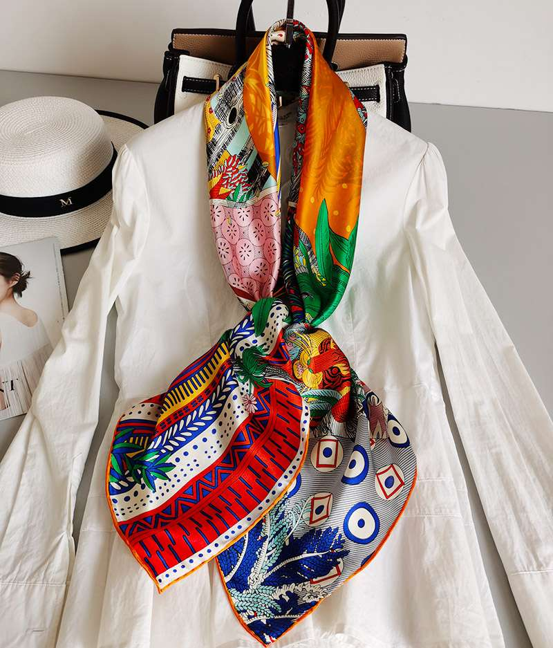 New Ladies silk scarves in 2019 European and American 110 scarves autumn and winter mulberry silk scarves midsummer night dream