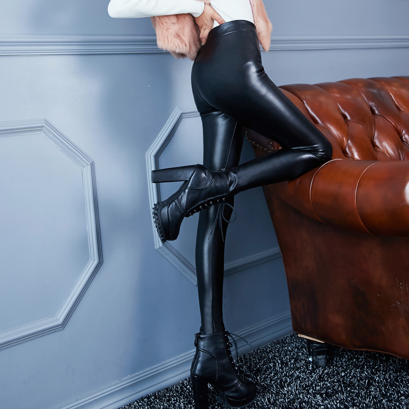 2019 new autumn / winter Leggings PU leather pants womens outer wear Plush thickening high waist slim legged tight pants