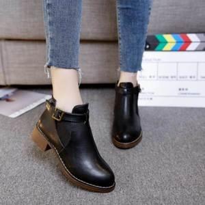 特价矮帮马丁靴女气质短靴矮靴平底皮面带绒学生靴子冬季粗跟。