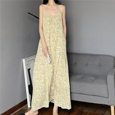 口袋小心机油画印花吊带裙 黄色到脚踝超长裙抽皱V领小碎花连衣裙