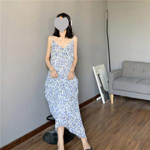 奶油碎花雪纺吊带裙 田园风初恋连衣裙 温柔风薄款宽松外穿长裙子