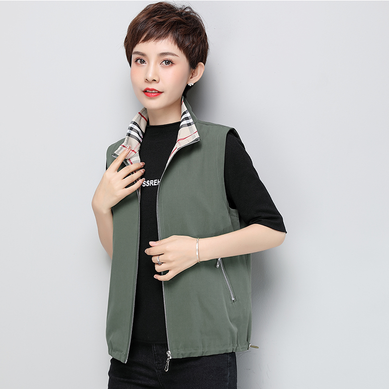 Spring and Autumn New Large Size Mid-aged Girl Cotton Coat Mom's All-in-One Canopy Shoulder Loose Outside the vest