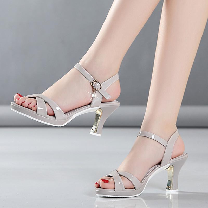 凉鞋女2021新款百搭夏季中跟真皮鱼嘴鞋子女士粗跟韩版高跟鞋女鞋