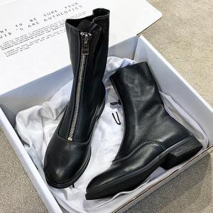 领10元券购买guidi暗黑系复古做旧网红马丁靴