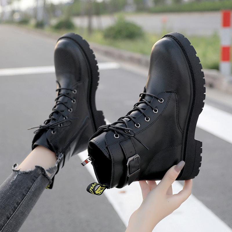 2020秋冬季新款英伦风时尚百搭圆头短筒靴子皮扣拉链黑色马丁靴女