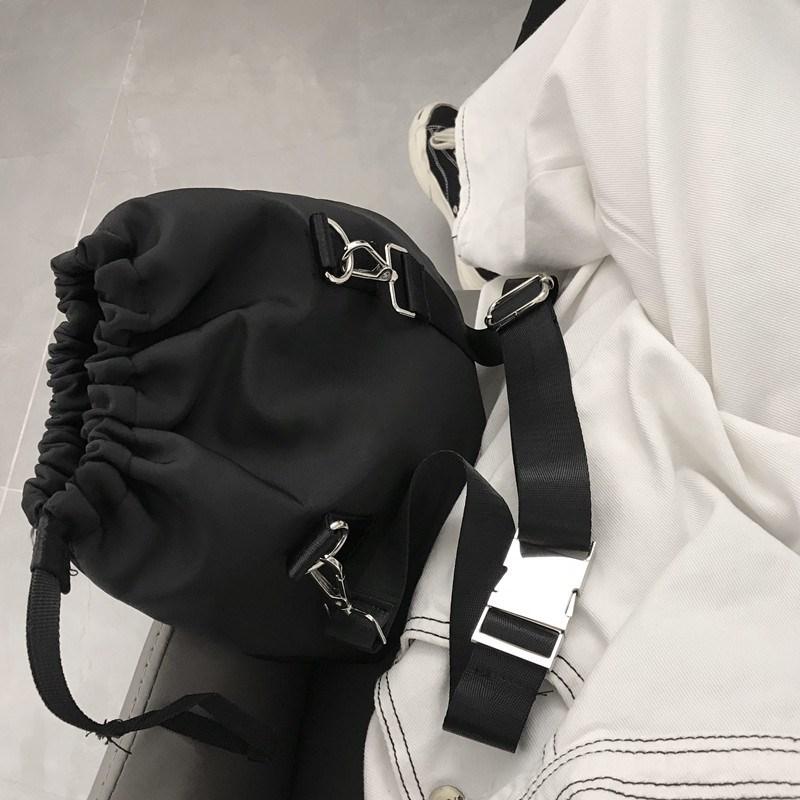 2020气质小香风漂亮的单肩包有型男包日系夏天好看简约包包时髦