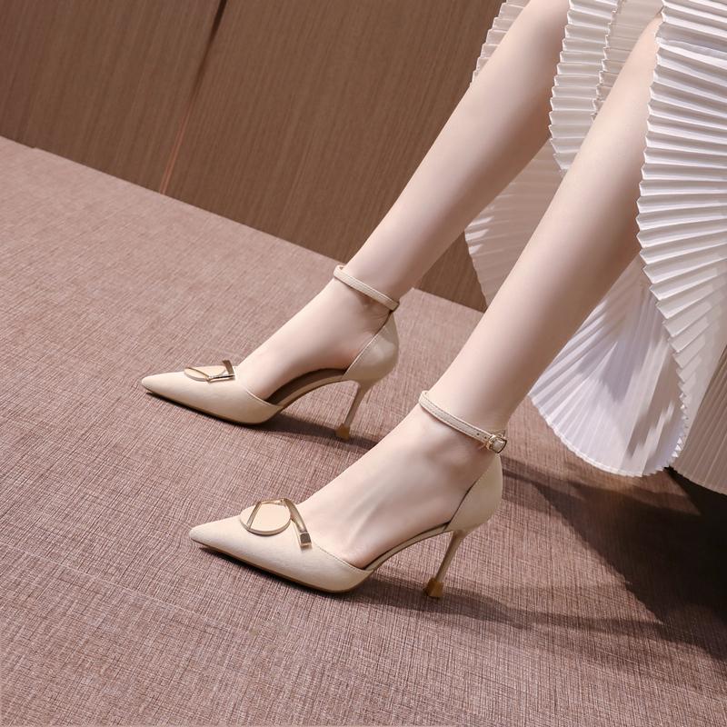 尖头高跟女鞋2021春夏季新款一字扣仙女风中空细跟包头单鞋百搭秋