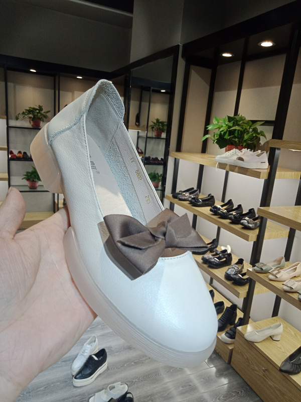 New womens shoes Oxford soft soled walking pregnant womens shoes Langqi new summer single skin leather womens shoes lazy special price shoes