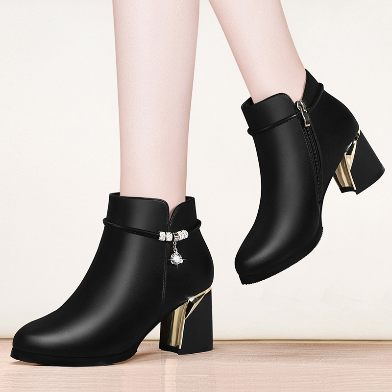 Martin boots womens short boots autumn and winter 2020 new versatile show thin foot spring and autumn single boots high heel leather shoes Plush