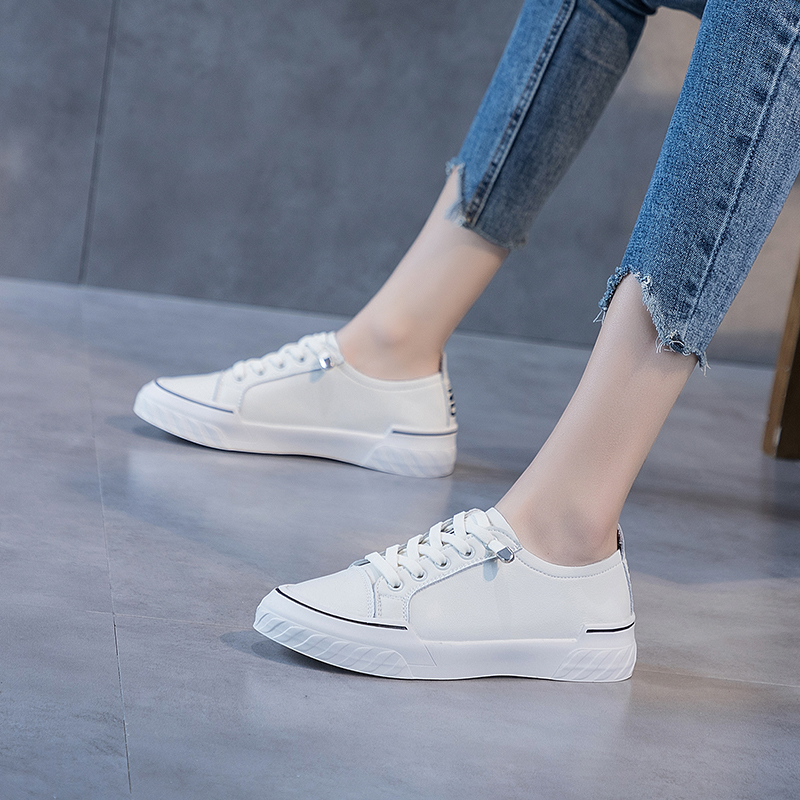 Leather small white shoes womens 2019 new 100 with skirt flat bottom comfortable autumn shoes womens shoes breathable 2020 spring