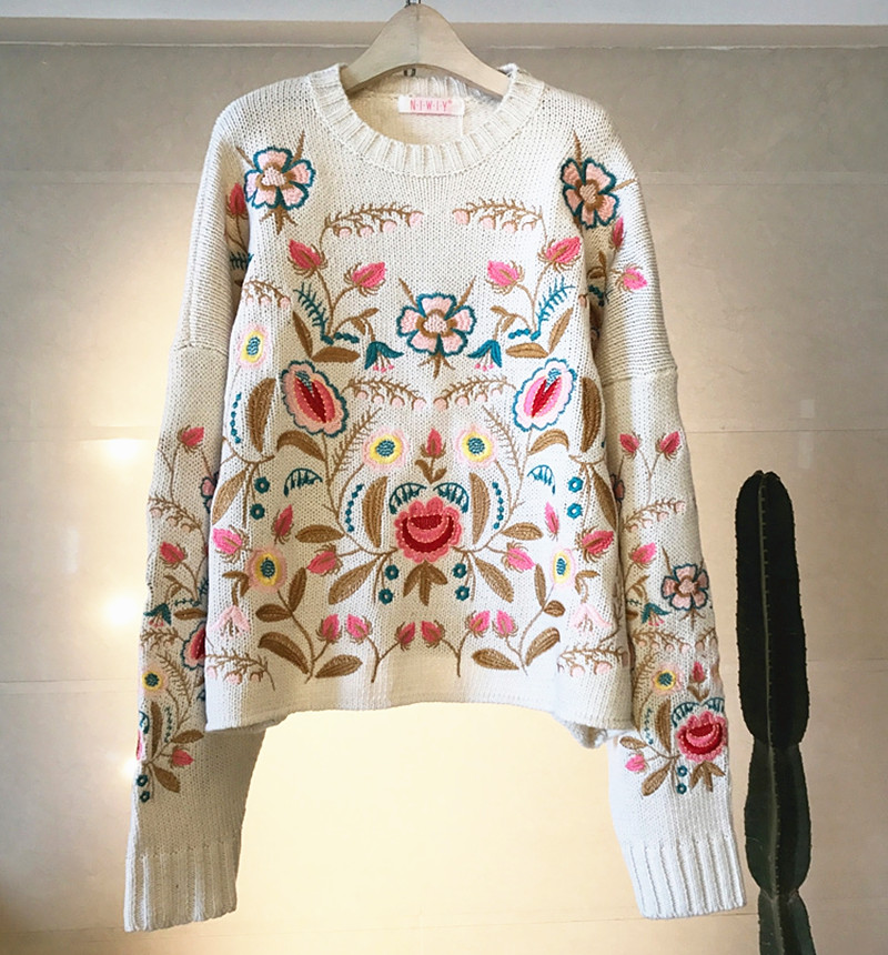 2020 spring new round neck Pullover heavy industry Vintage embroidered woolen sweater flower embroidery loose sweater womens fashion